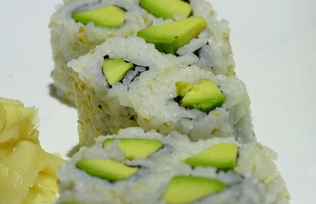 Sushi mit Avocados