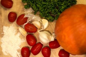 Zutaten für Hokkaido Klöße mit Cherrytomaten (Rezept)
