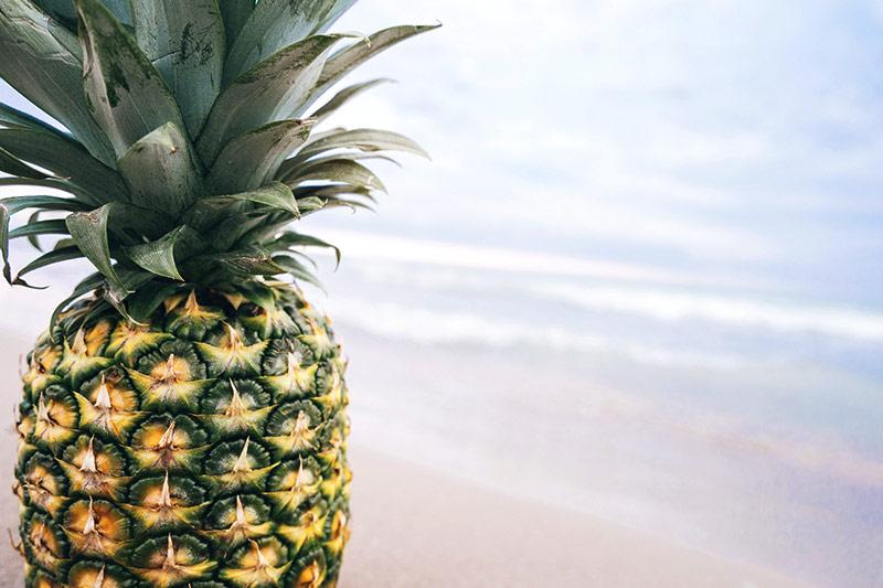 wann ist eine ananas reif wiressengesund. Black Bedroom Furniture Sets. Home Design Ideas