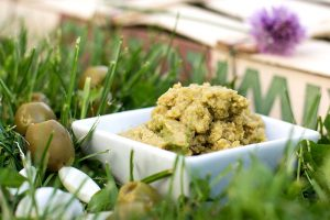 Grüne Olivenpaste