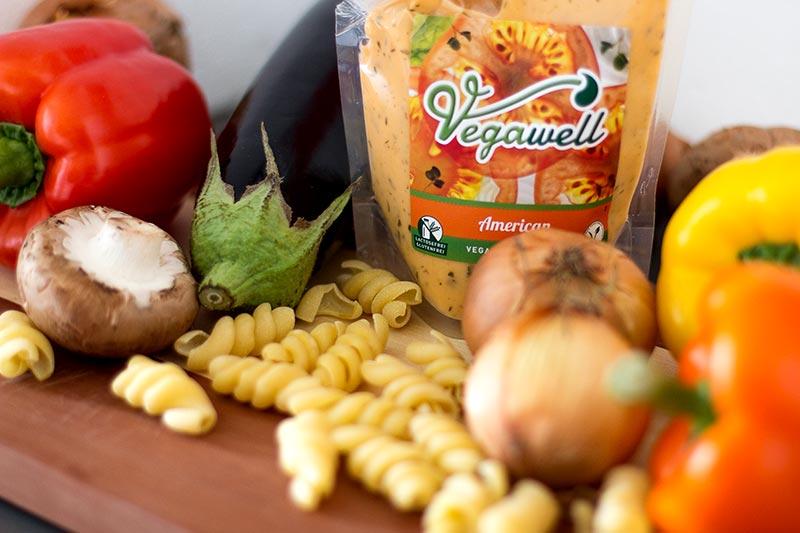 Nudelsalat mit gegrilltem Gemüse Zutaten American Dressing Vegawell