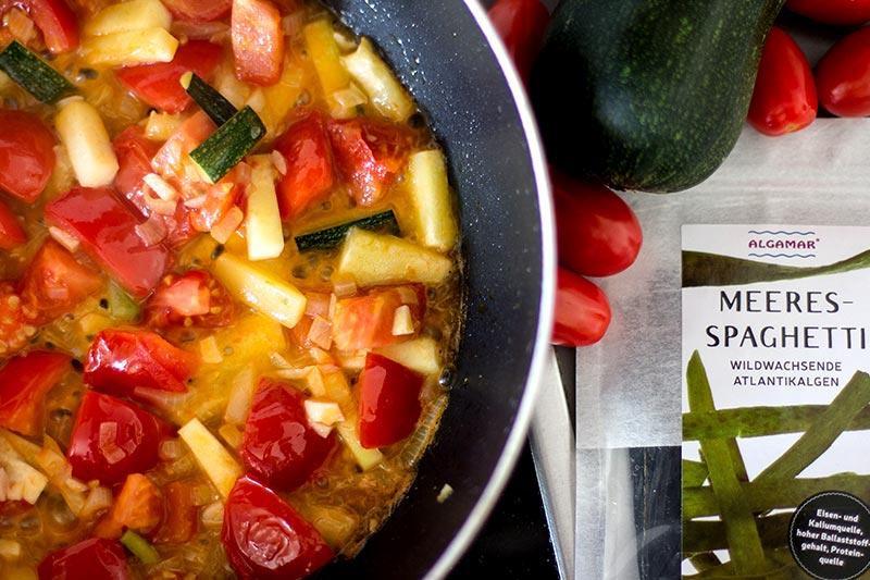 Tomatengemüse zubereiten