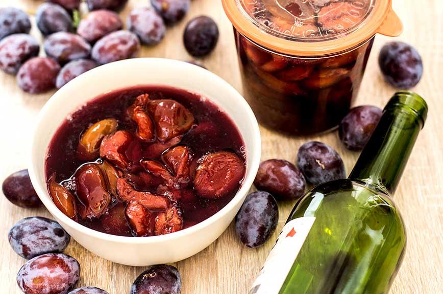 Rotwein-Zwetschgen