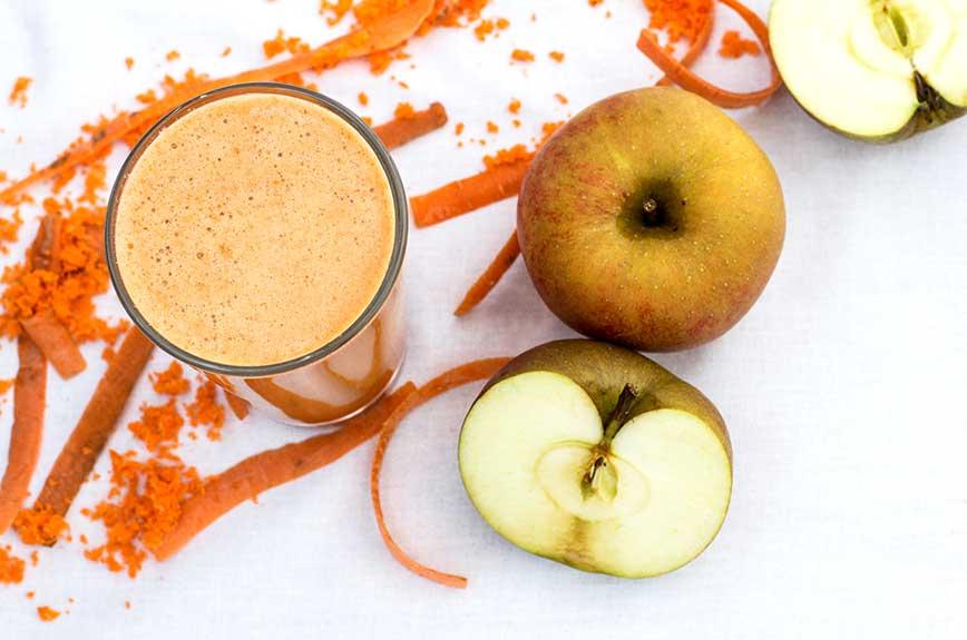 Karotten Apfelsaft pressen frisch