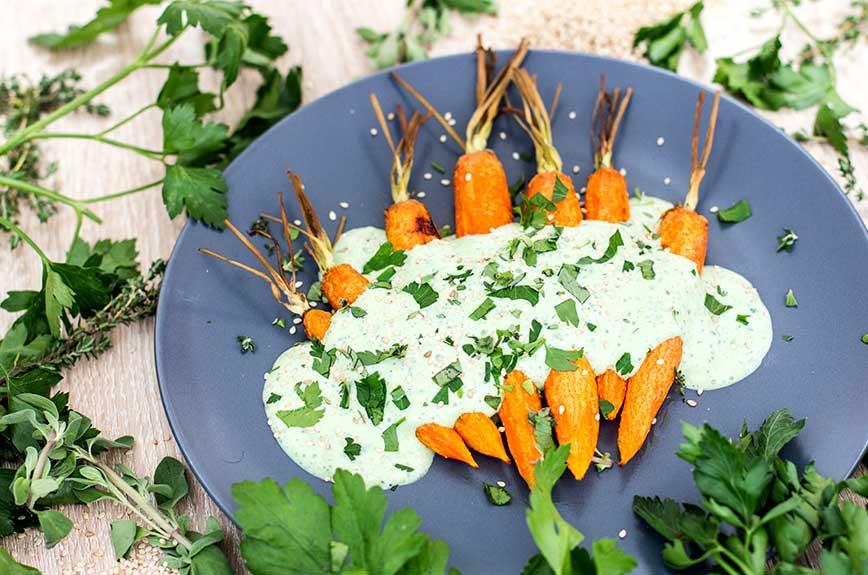 Gebackene Karotten Kräutercreme vegan Rezept