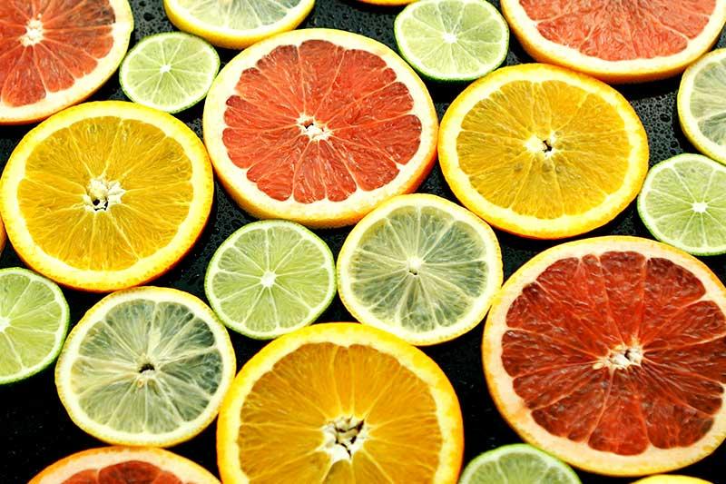 Zitrusfrüchte regen auf natürliche Weise den Speichelfluss an