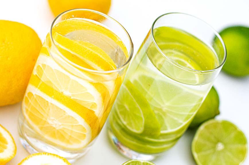 Zitronen- oder Limettenwasser (nach Anthony William)